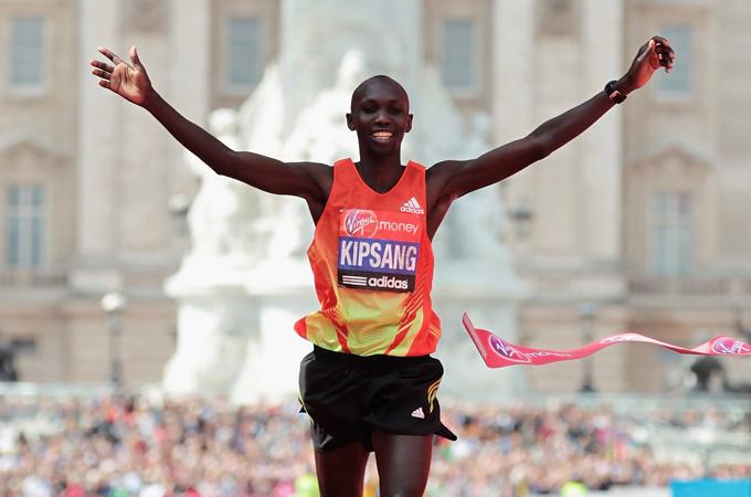 Уилсон Кипсанг победитель Берлинского марафона 2013г.