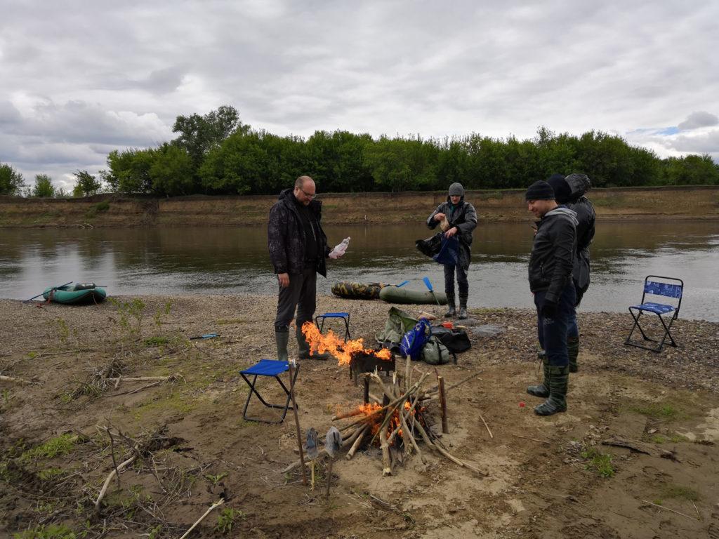 Привал на берегу реки