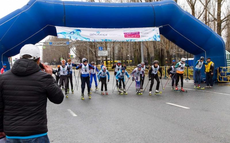 легкоатлетический марафон в г.Тольятти. Старт лыжероллеров