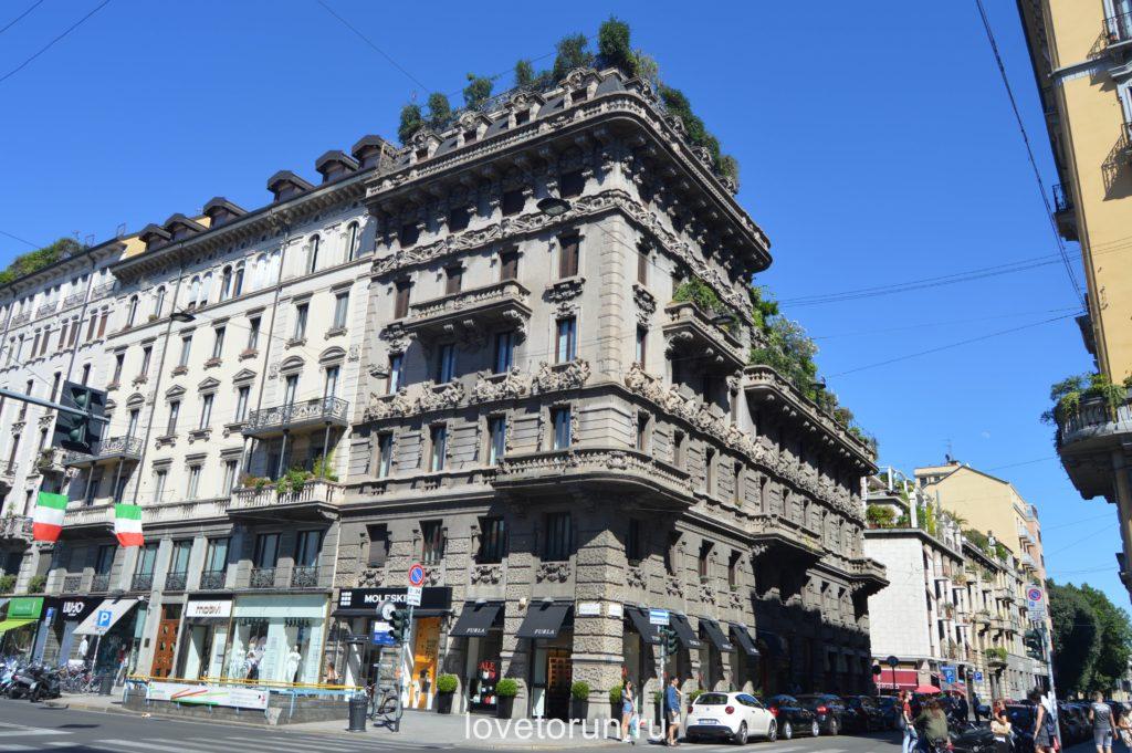 Зеленые насаждения на крышах домов в Милане